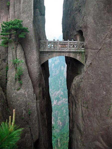 ponte sull'abisso