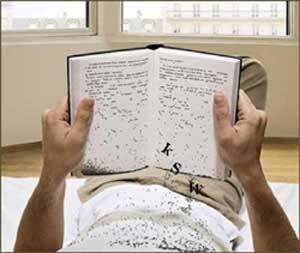 caratteri che cadono dal libro