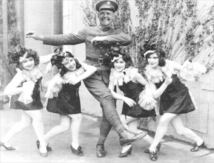 caricatura di marty-Inving che balla
